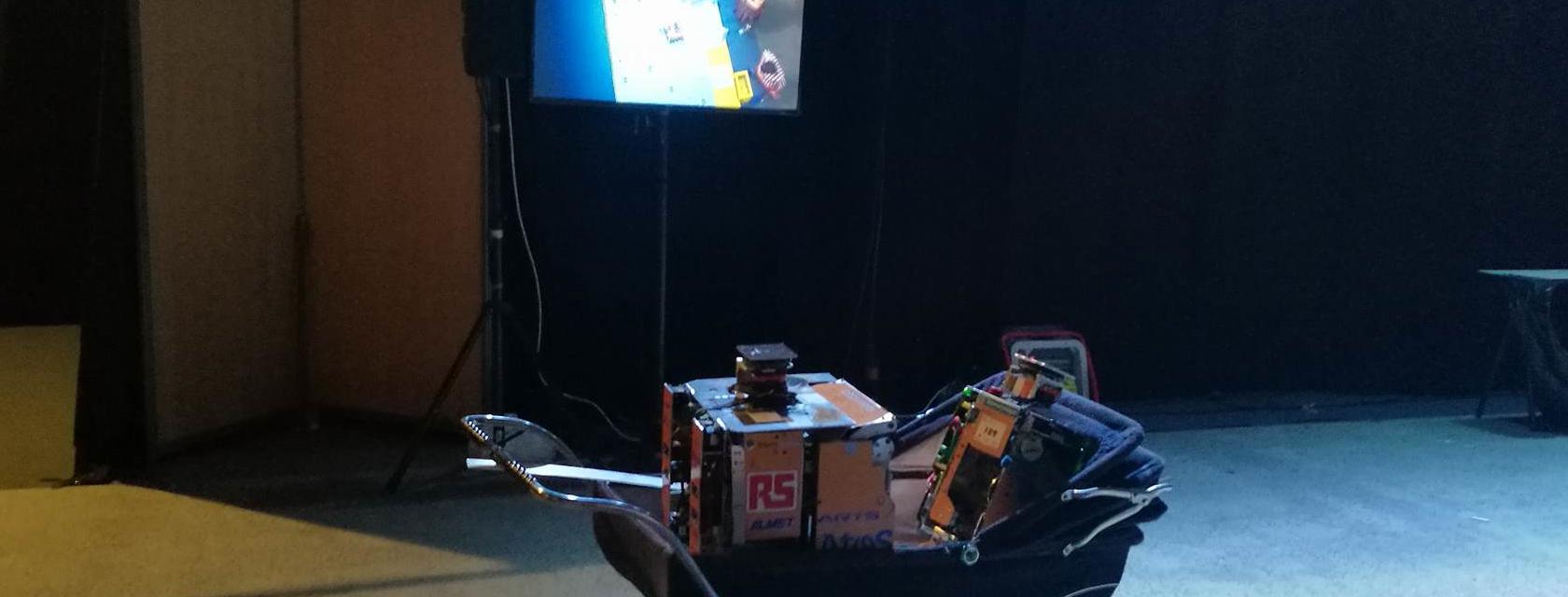 Nos robots, en repos après un match !